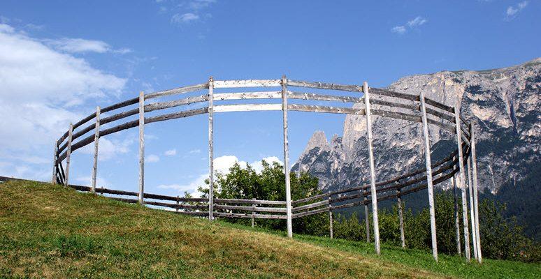 Landschaftskunstwerk Giro